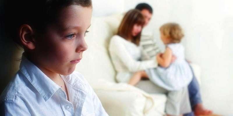 Выстраиваем дружеские взаимоотношения между старшими и младшими детьми в семье