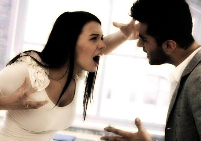 Как вести себя при семейных ссорах?