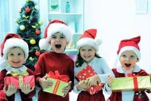 Новогодние подарки в детском коллективе