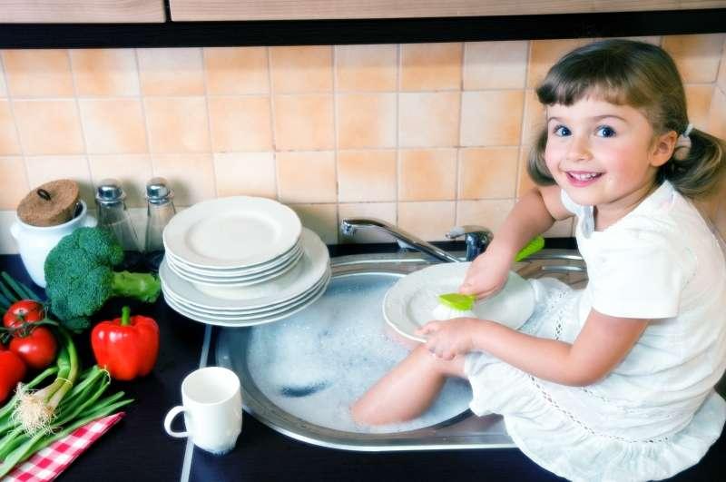 Нужно ли просить ребёнка о помощи в домашних делах?